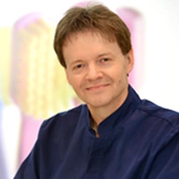 Lek. med. Bogdan Zieliński - chirurg szczękowy