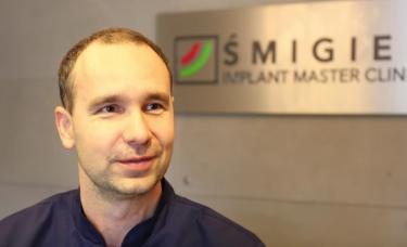 Tomasz Śmigiel przeprowadza matamorfozy uśmiechu