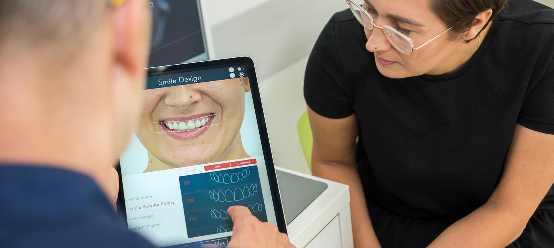 Cyfrowe projektowanie uśmiechu w katowickiej klinice Śmigiel Implant Master Clinic